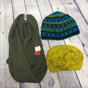 Green Scarf and Hat Lot 3 Items